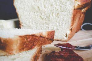 なんで食パンっていうの?